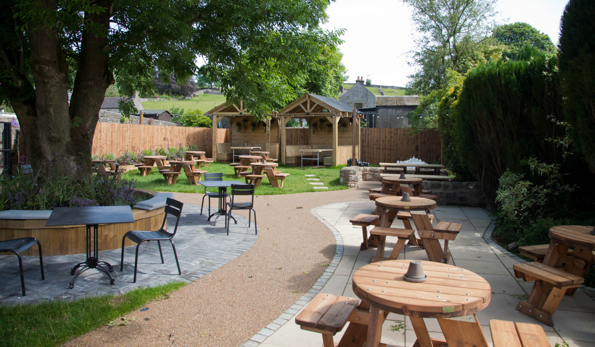 devonshire arms hartington best external seating 2
