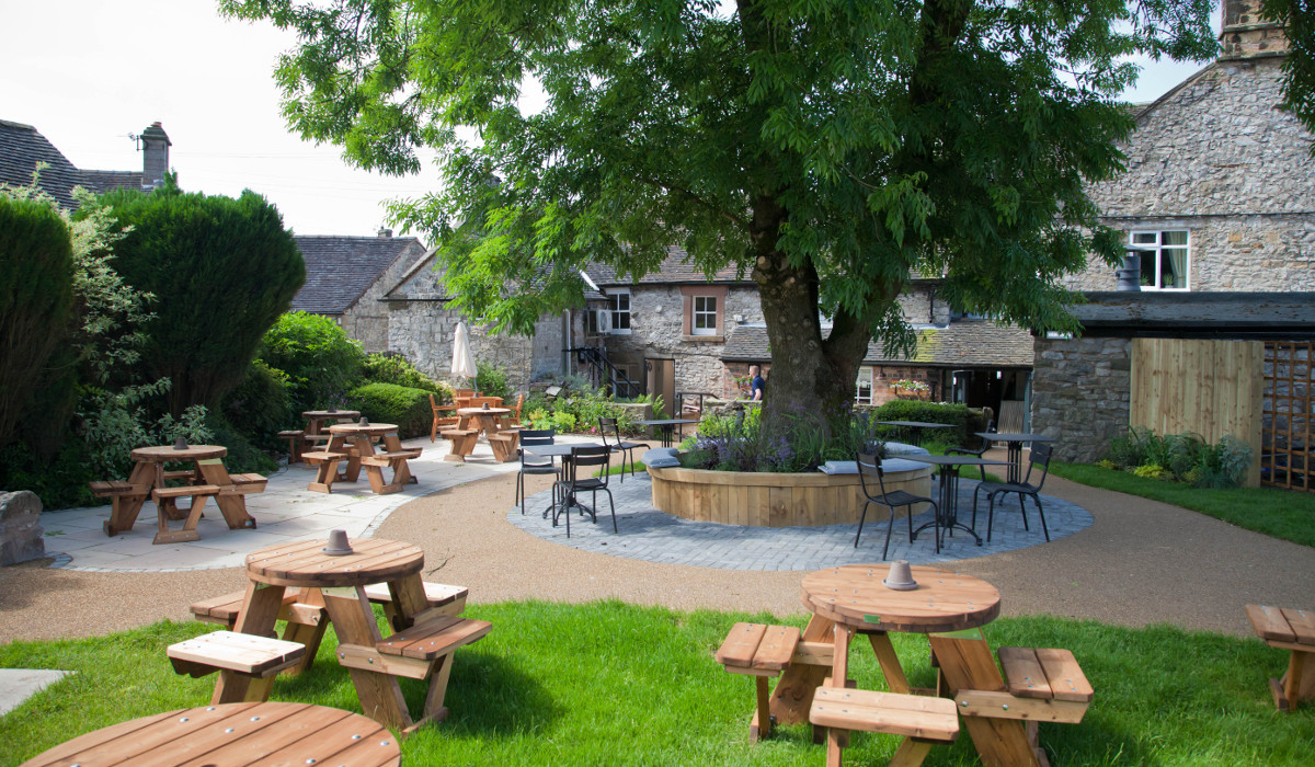 devonshire arms hartington best external seating