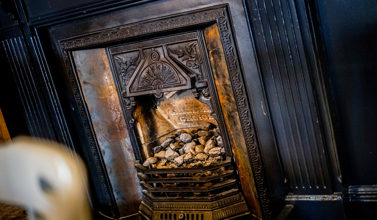steam-wagon-shrewsbury-cosy-fireplace