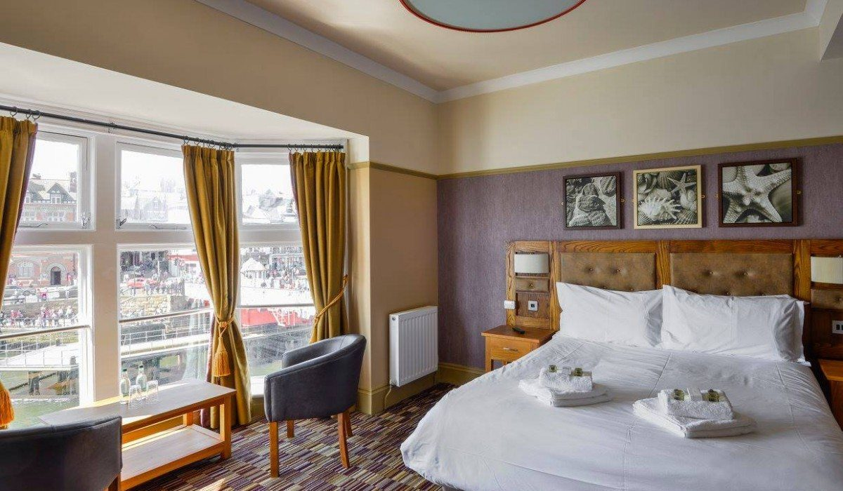 dolphin whitby room with a view