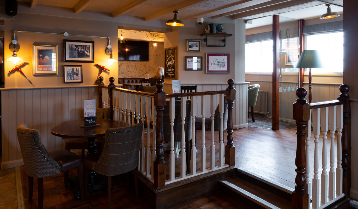 rose and crown sandhurst internal seating